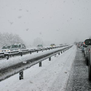 Snow on the highway - Chinese translation
